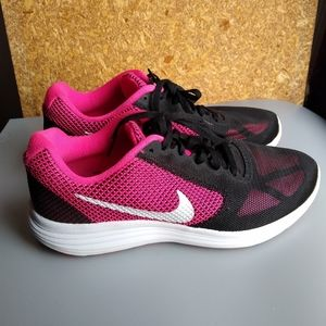 Nike Women's Revolution 3 Shoes Size 9 1/2